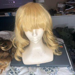 Accessories - Blonde Wavy Wig